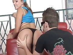 Pierced pussy of Nikki Sexx licked by a large ashen sausage