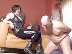 Dominatrix Mara Ballbusts Slave N as Punishment