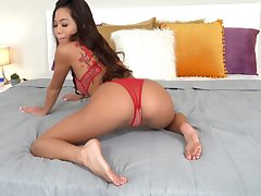 Curvy pain in the neck Asian doll pumps unnumbered pussy in those holes