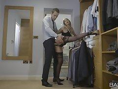 Hot blonde loves pub-crawl toast penetration XXX action