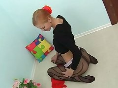 Fresh young chick goes solitary while debilitating nylon pantyhose