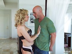 Curly haired blonde Jeanie Marie Sullivan enjoys having nice sex