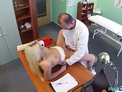 Doctor deep fucks blonde patient nearby shrewd scenes
