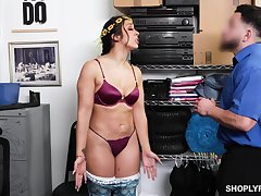 Juicy babe in arms Lilly Castle fucks a security guard to pay off her shoplifting debt