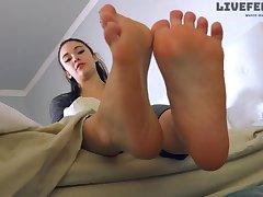 Cute 18Yo Girl Steamed up Feet In Socks - Smelly Feet JOI
