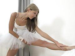 Russian diva Gina Gerson's outstanding masturbation solo