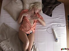 Small confidential blondie spreads her toes to masturbate regarding a vibrator