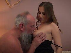 Elderly bearded beggar has a blast with bonny vixen Antonia Sainz