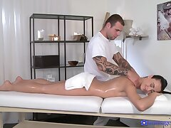Hot ass model Anna Rose massaged and fucked off out of one's mind a handsome dude